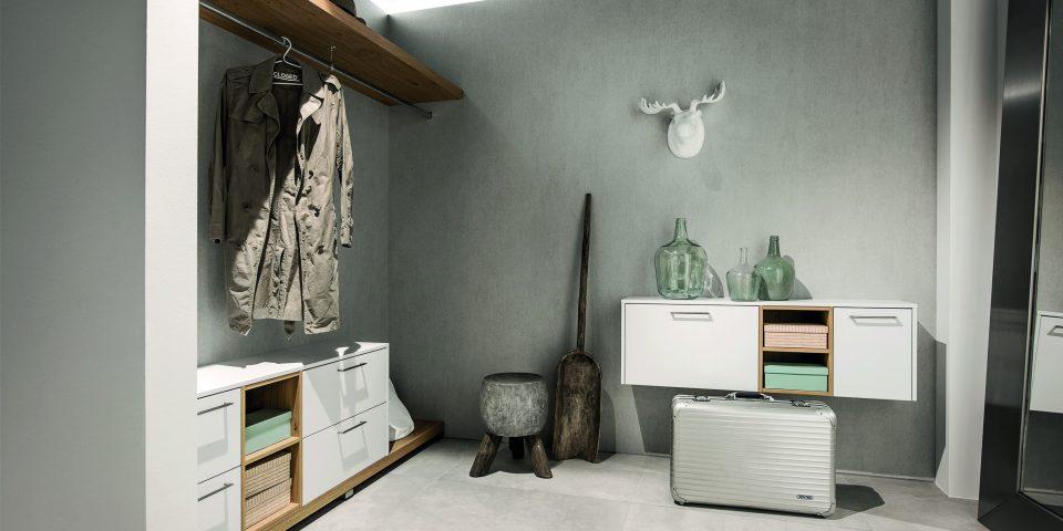 AV2035 Polarweiss Garderobe